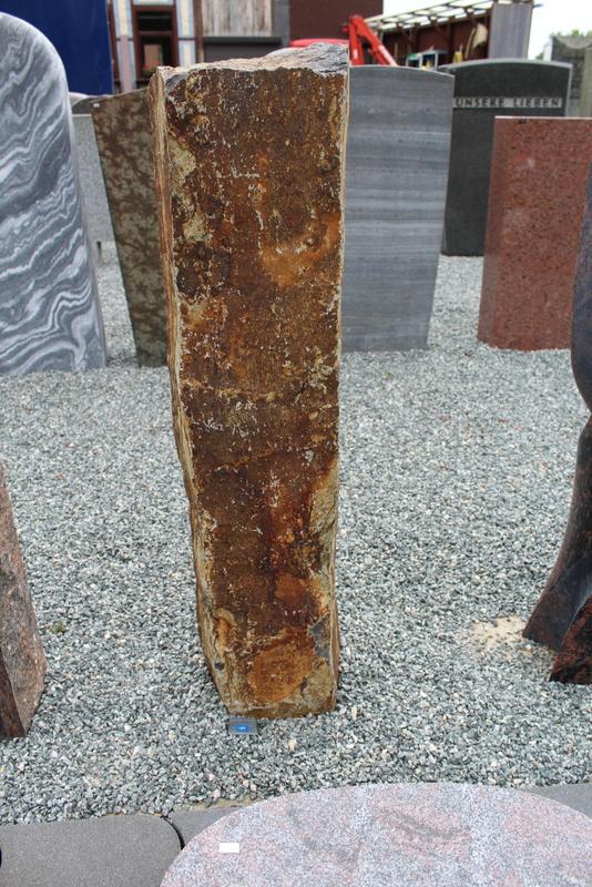 Nr. 189, 25 x 92 x 22cm, Basalt