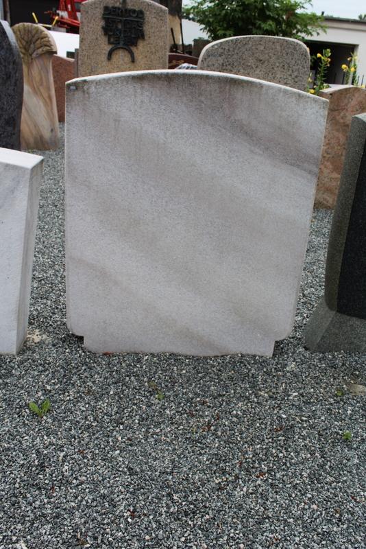Nr. 203; 80 x 95 x 14 cm, Marmor