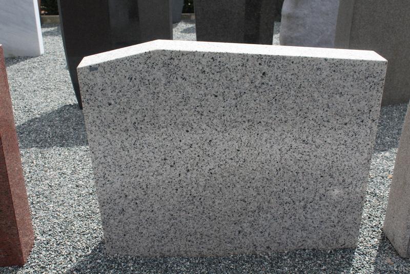 Nr. 228; 100 x 80 x 13cm, Granit