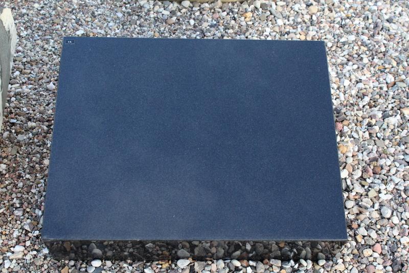 Nr. 14; 50 x 40 x12 cm, Indisch Black