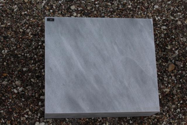 Nr.24, 35x30x12cm, Marmor
