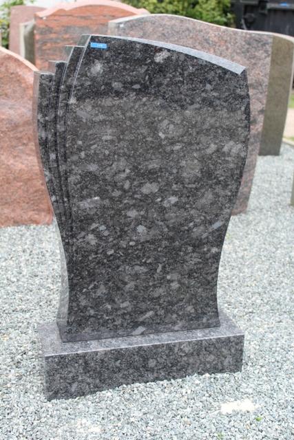 Nr. 118, 50x70x12cm, Steel Grey auf Sockel