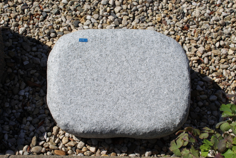 Nr. 300, 40 x 30 x 12 cm, MP White Granit