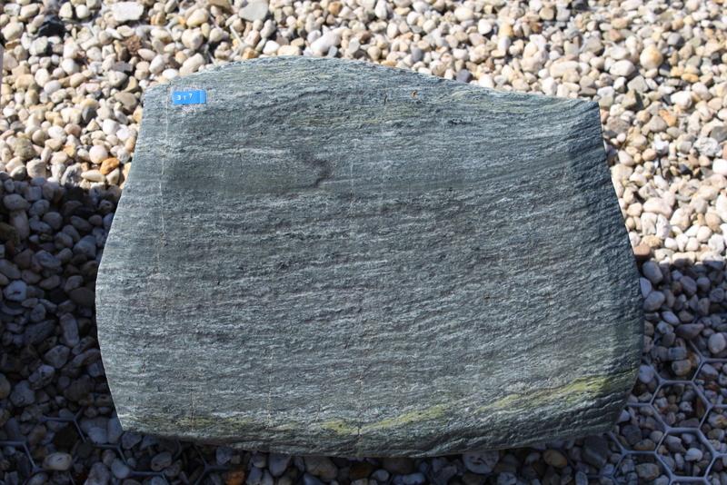 Nr. 317,  40 x 30 x 12 cm, Pannonia grün Granit