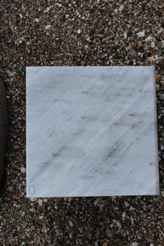 Nr. 07,; 30 x 30 x12 cm, Marmor