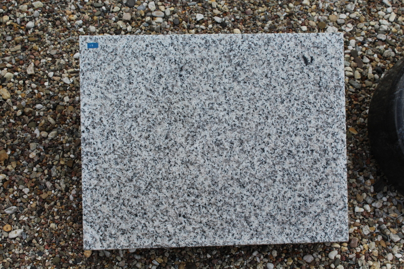 Nr, 15; 50 x 40 x 12cm, Granit