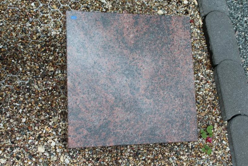Nr. 41; 40 x 40 x12 cm, Aurindi