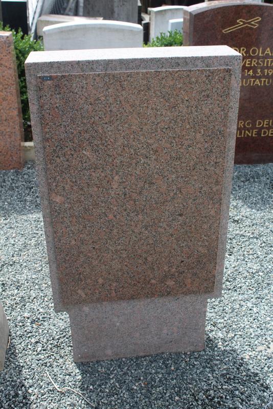 Nr. 259, 50 x 90 x 15cm,  Granit rosa